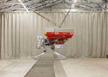 Új műtrágyaszóró tesztcsarnok a Kverneland-nál