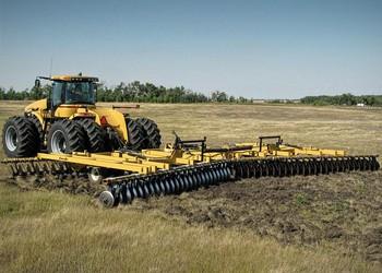 A Buhler Industries precíziós talajművelő gépeket gyártó vállalatot vásárolt