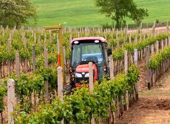 Japán keskeny nyomtávú traktorok a Kubotától