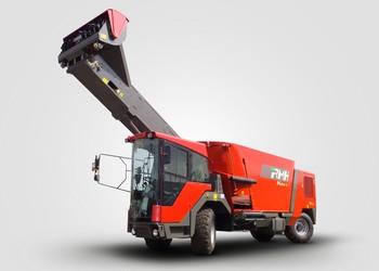 Új önjáró etetőkocsi az Axiál Kft. kínálatában