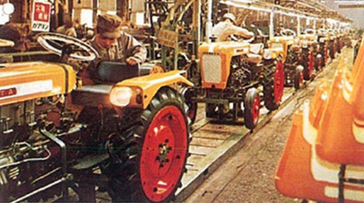 A T15 traktor gyártósora