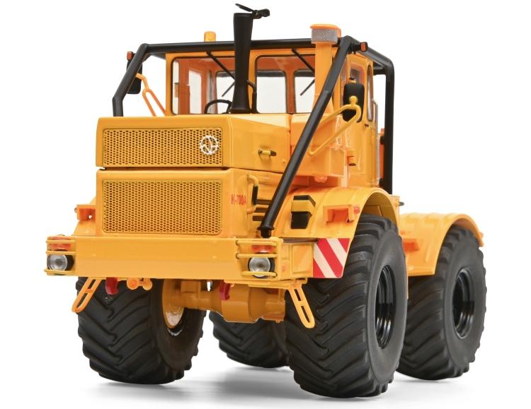 Kirovec K700A traktor