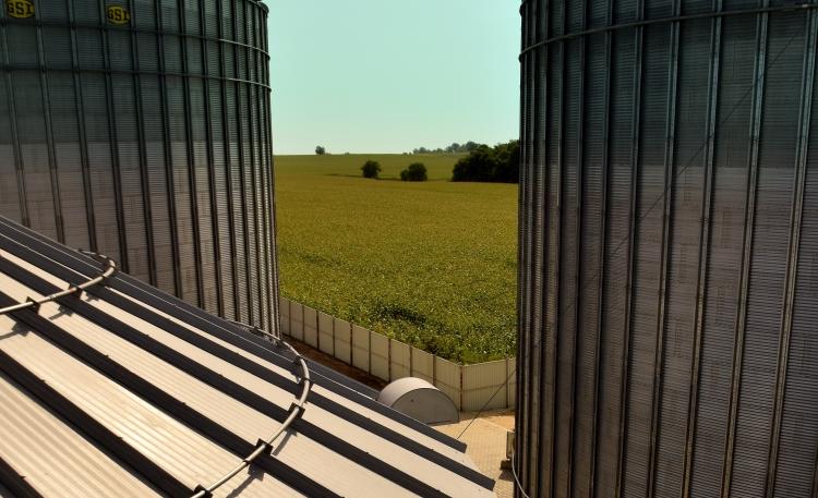 Gépgyártók: ne veszélyeztessék a gazdák, az iparág jövőjét!