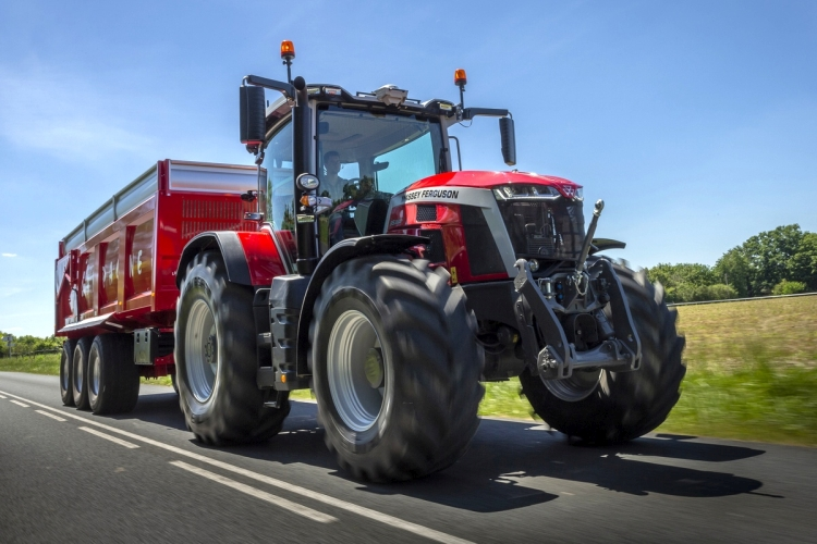 MF 8S.285 traktor